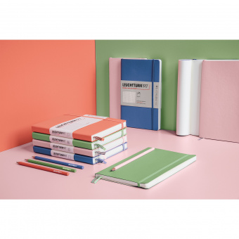 Записная книжка блокнот Leuchtturm Medium A5 Muted Colours в линию, розовый